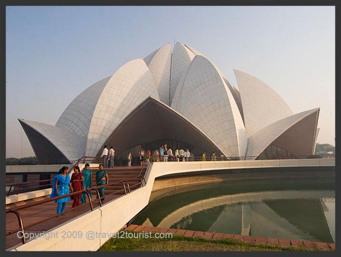 Lotus Temple , Delhi